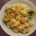 Auflauf mit Huhn und Brokkoli, Kartoffeln und Speck