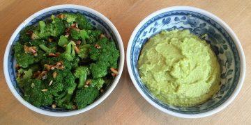 Brokkoli-Salat und Brokkoli-Creme mit Pinienkernen