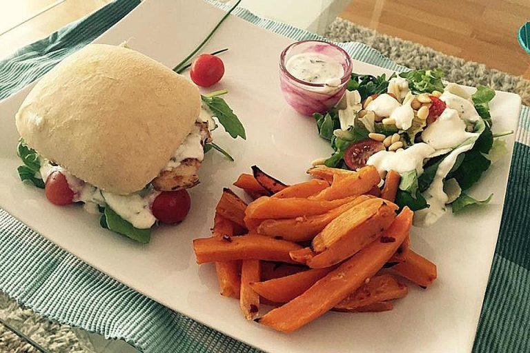 Burger Italy mit Sweet Potato Fries