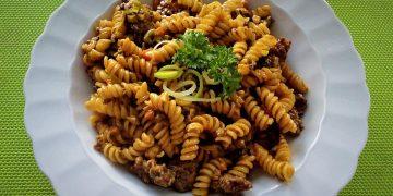Curry-Hackfleisch-Nudeln