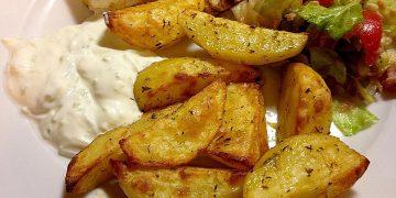 Gebackene Kartoffelspalten griechische Art