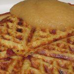 Herzhafte Kartoffelwaffeln mit Lauch und Dörrfleisch