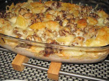 Kartoffel-Blumenkohl-Hack-Auflauf