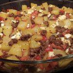 Kartoffelauflauf mit Hackfleisch, Tomaten und Feta