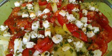 Kartoffelauflauf mit Schafskäse und Paprika
