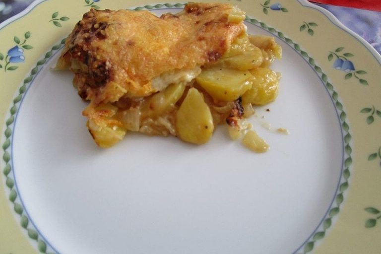 Kartoffelgratin mit Zwiebeln