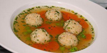 Leckere Suppeneinlage aus Semmelbrösel