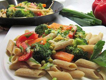 Leichte Gemüse-Nudelpfanne