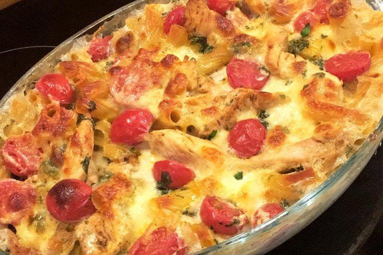 Mediterraner Hähnchen-Mozzarella Auflauf