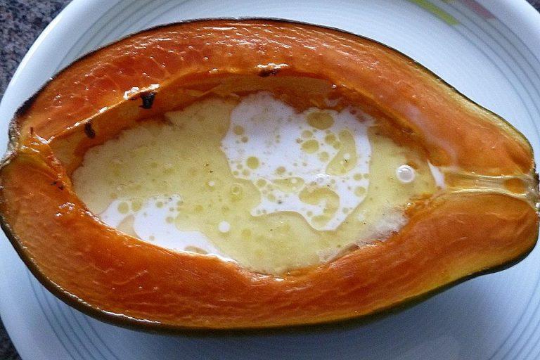 Papaya aus dem Ofen
