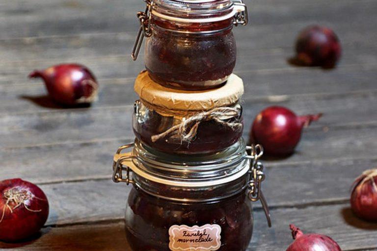 Rote Zwiebelmarmelade aus Italien