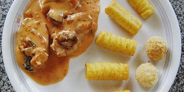 Schweinesteaks in Salsa - Sahne - Sauce