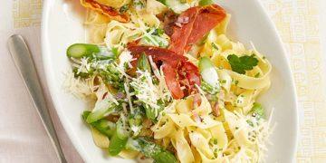 Spargel mit Schinken und Pasta