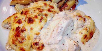 Überbackener Chicoree mit Hähnchen in Salbei - Senf - Sauce